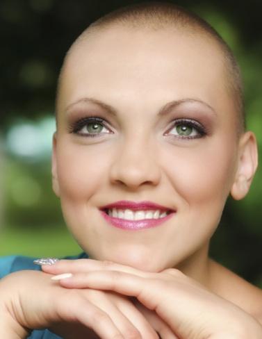 Professionele opleiding voor schoonheidsspecialistes en kappers voor kankerpatiënten. cover photo
